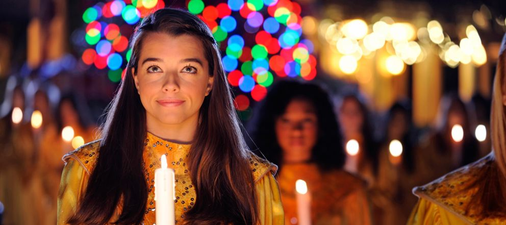 Walt Disney World Completes Candlelight Processional Narrator Line-Up