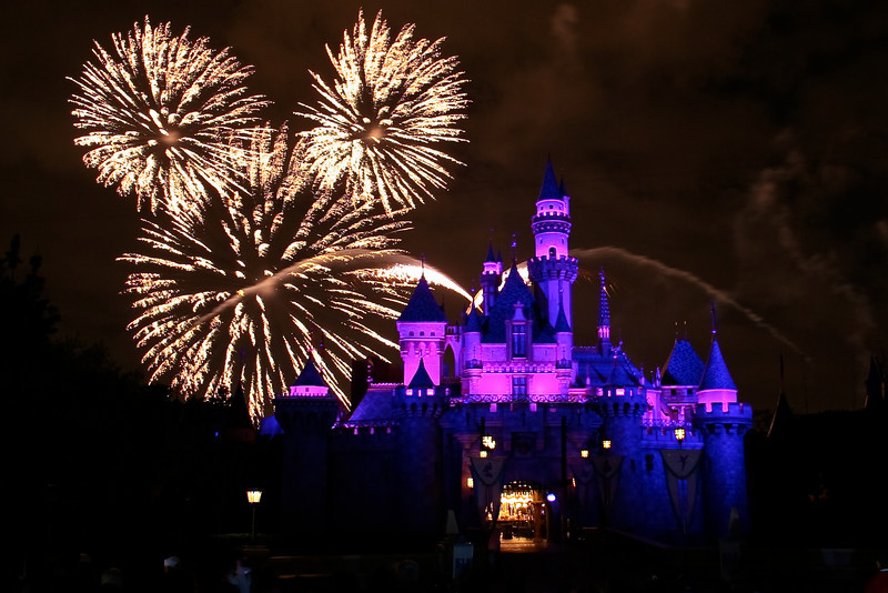 Disneyland to Stream 'Believe…in Holiday Magic' via #DisneyParks LIVE