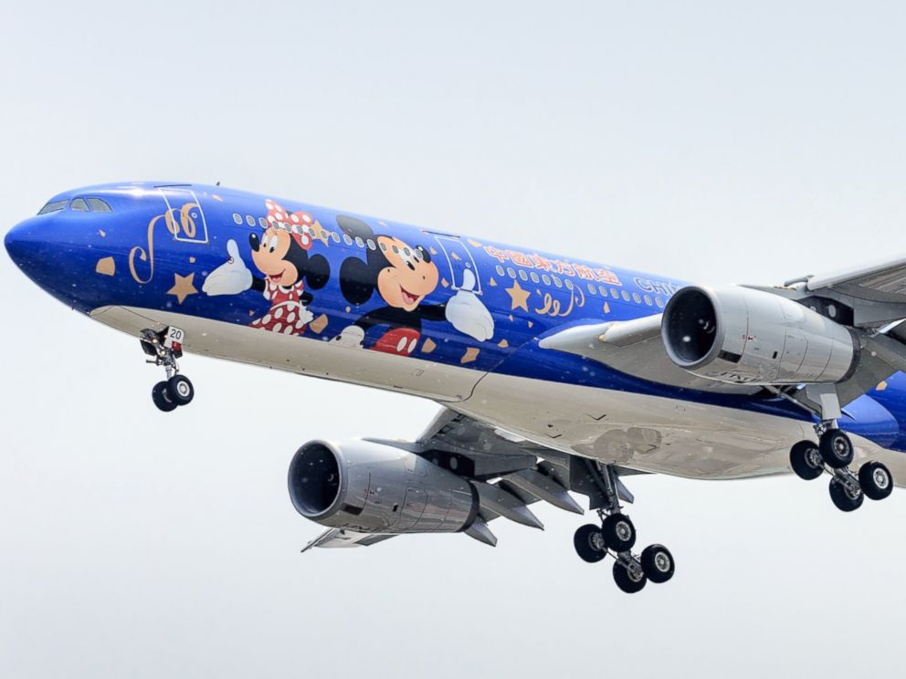 China Eastern Unveils Disney-ThemedPlane