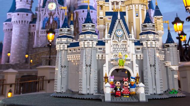 'Lego Disney Castle' Intricately Recreates Disney Resort's CinderellaCastle