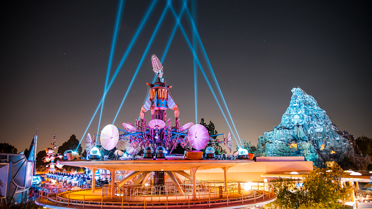 Disneyland to Debut New Tomorrowland Skyline Lounge Experience