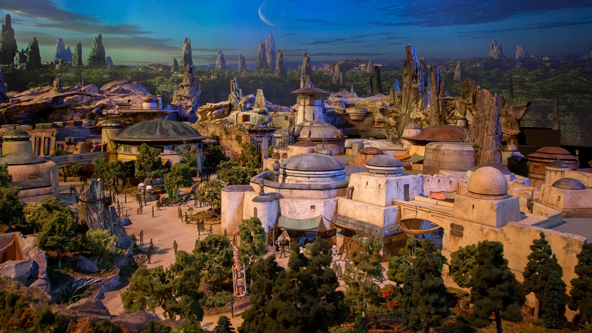 Star Wars: Galaxy's Edge & Toy Story Land Models to Preview at Disney's Hollywood Studios