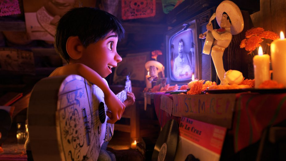 'Coco' Gobbles Up 'Justice League' With $71.2M Thanksgiving BoxOffice