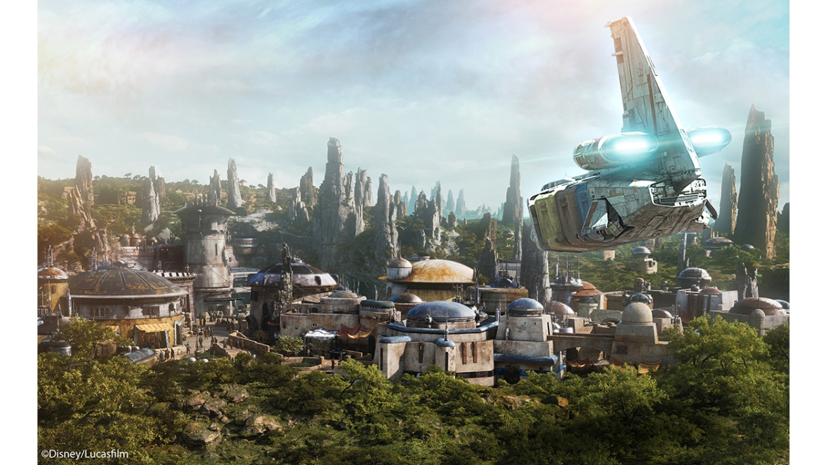 Star Tours Gives Guests First Peek at Star Wars: Galaxy's Edge Planet