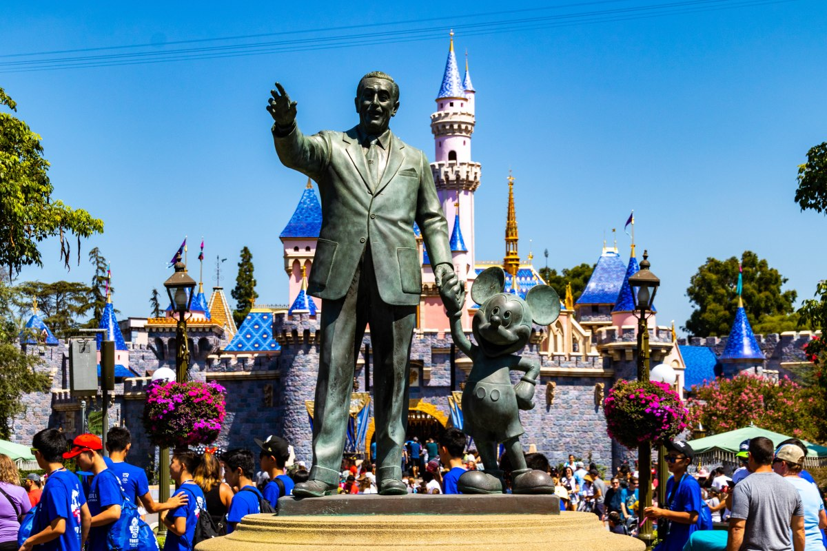 Disneyland Resort Announces Ticket and Park Reservation Information for Re-Opening